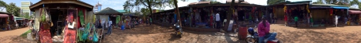 afrikanischer kunsthandwerkmarkt panorama