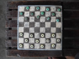 lamu kronkorken schach